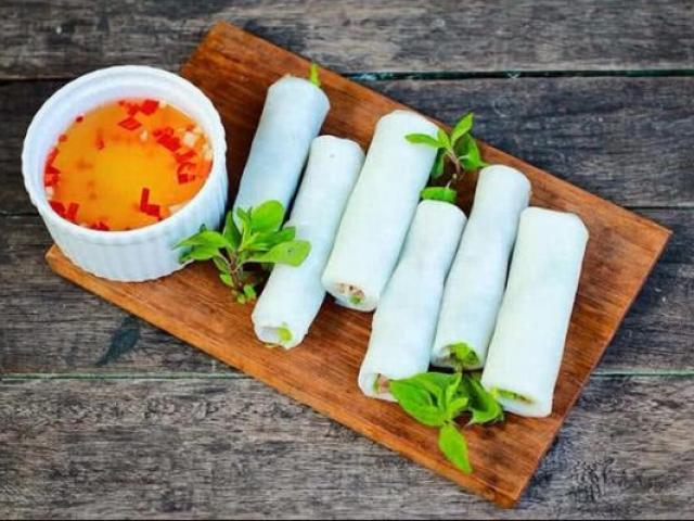 """Giới trẻ Sài Gòn """"điêu đứng"""" vì món ăn vặt du nhập từ Hà Nội"""