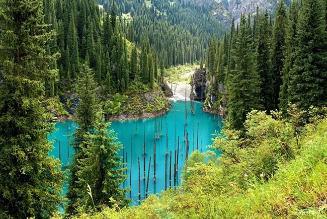Kaindy: Hồ nước kỳ ảo nhất thế giới - 1