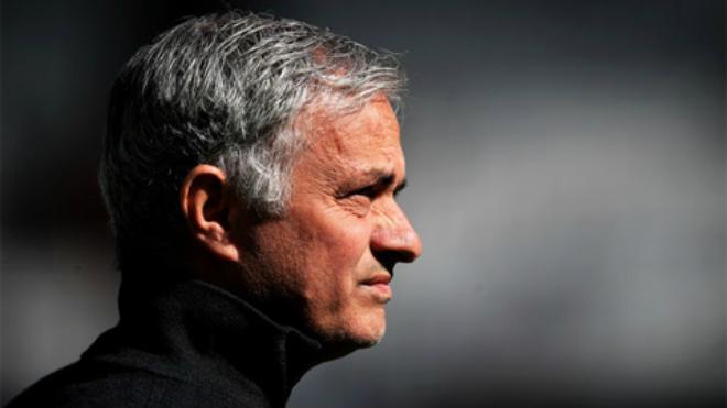 Tin HOT bóng đá tối 30/9: Tỷ lệ Mourinho bị sa thải cao khủng khiếp - 1