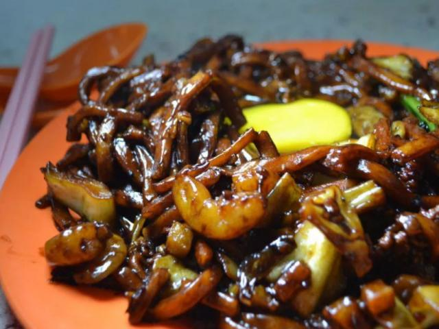 Du khách đến Malaysia ai cũng mê mẩn những món ăn đường phố rẻ mà chất lừ