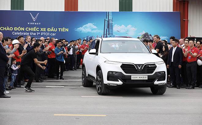 VinFast, BMW và Mercedes sẽ chạm mặt nhau trên sàn đấu phân khúc xe hạng E trong tháng 7 này - 1