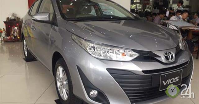 Toyota Vios giảm giá mạnh, vì yếu thế trước Hyundai Accent