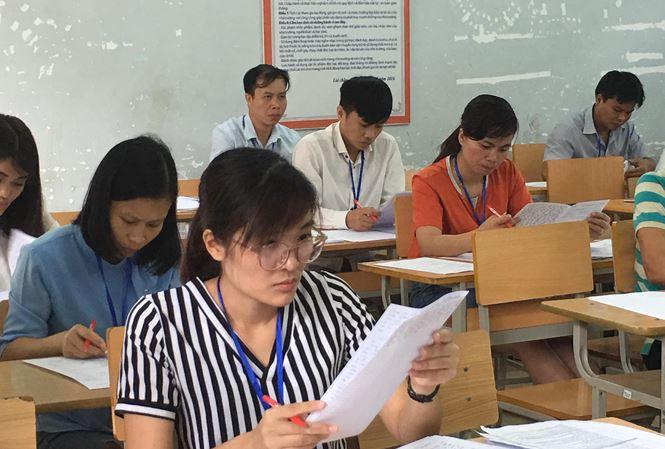 Chấm thi THPT quốc gia: Không có nhiều điểm cao môn Ngữ văn - 1