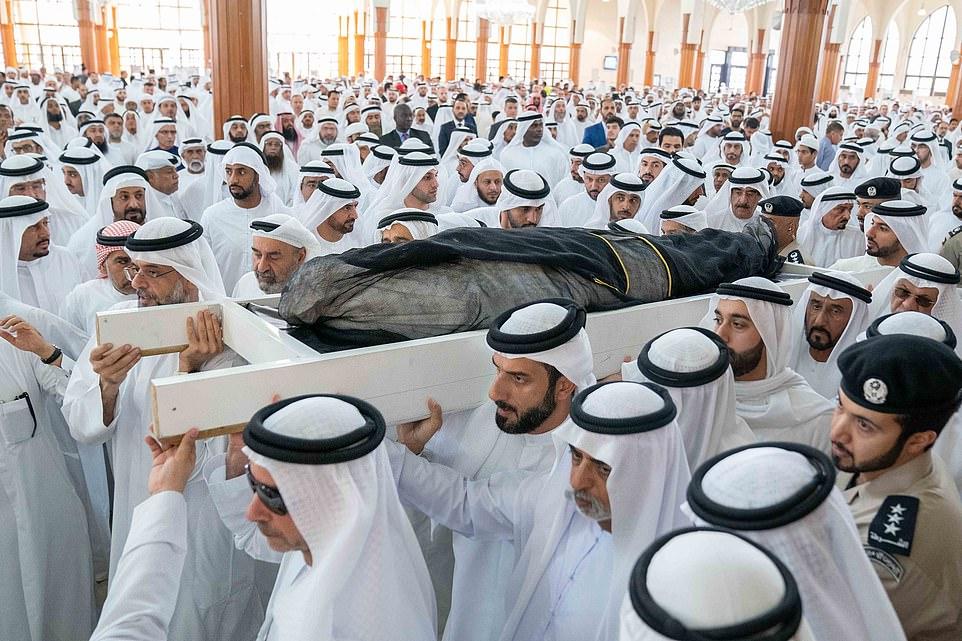 """Hoàng tử Ả Rập bị nghi chết trong """"tiệc sex và ma túy"""" - 1"""