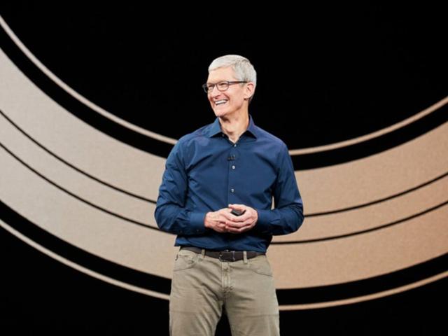 CEO Apple - Tim Cook giải thích về sự ra đi của Jony Ive