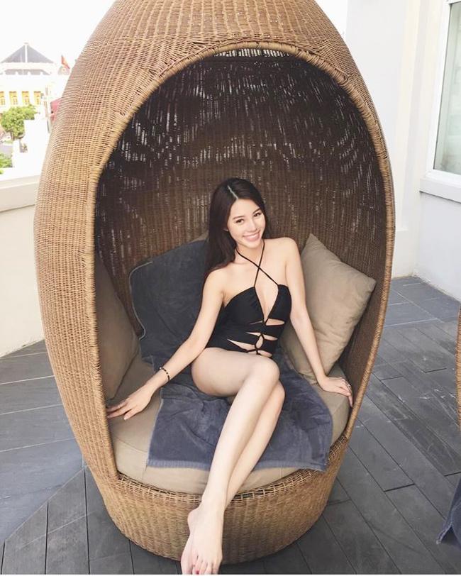 """Jolie Nguyễn là hoa hậu duy nhất nằm trong danh sáchtiểu thư """"Hội con nhà giàu Việt""""."""