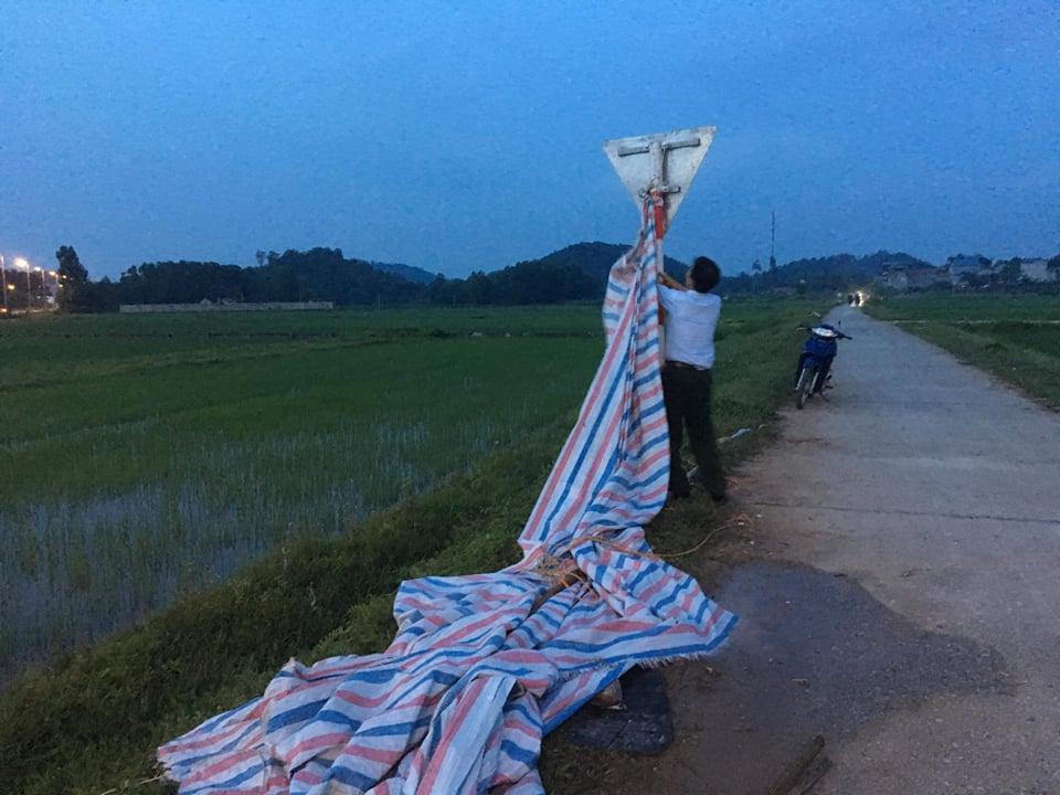 Giá đền bù đất tăng lên 5 lần, dân tháo gác chắn giải phóng bãi rác Nam Sơn - 1