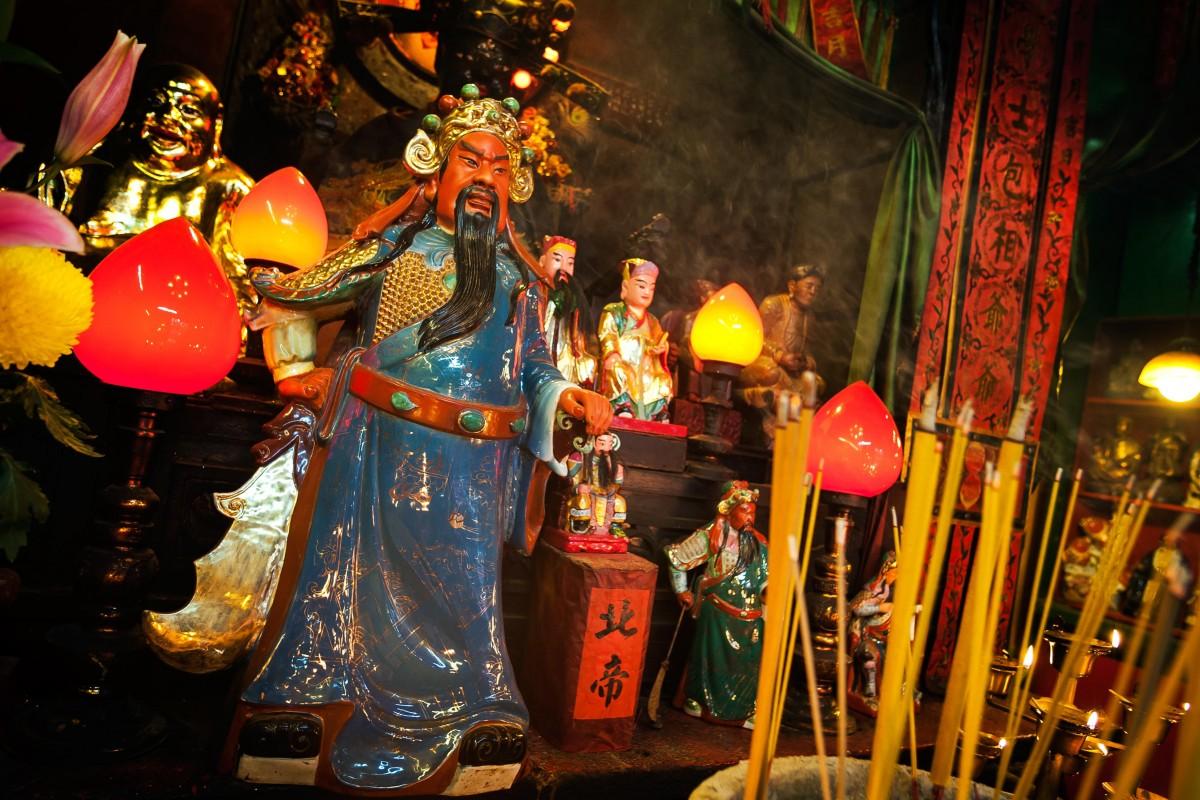 Vì sao Quan Vũ được cả cảnh sát và xã hội đen Hong Kong thờ như thánh? - 1
