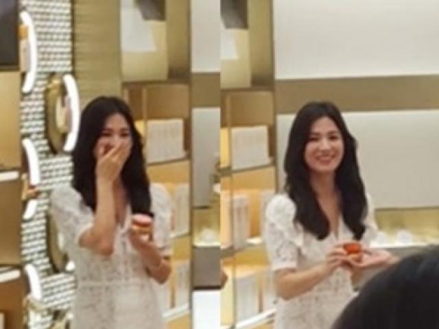 """Clip Song Hye Kyo cười rạng rỡ sau ly hôn """"gây sốt"""" cộng đồng mạng"""