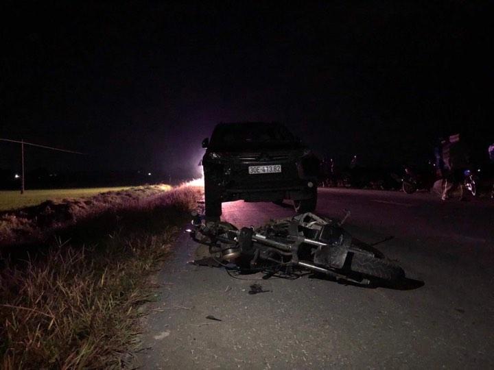 Vụ ô tô tông 3 em bé chết thương tâm: Quá sốc thấy em tử nạn, anh trai nhập viện - 1
