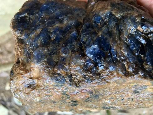 Xôn xao cục đá quý 4 tỷ đồng ở Yên Bái: Bộ TNMT đang kiểm tra mỏ còn đá quý không - 1
