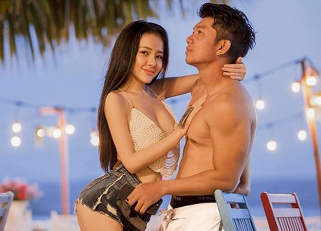 Chiếc quần hot pant có chiều dài tiêu chuẩn khoảng 6 inches (15cm).