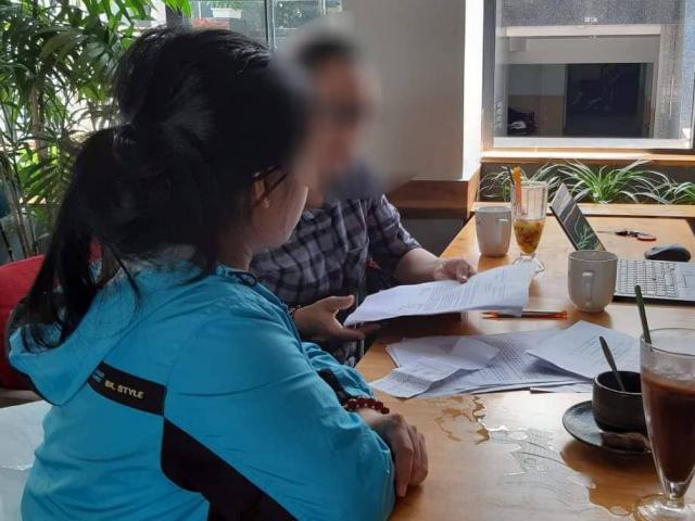 Vợ vắng nhà, ông chủ khống chế cô giúp việc rồi cưỡng bức