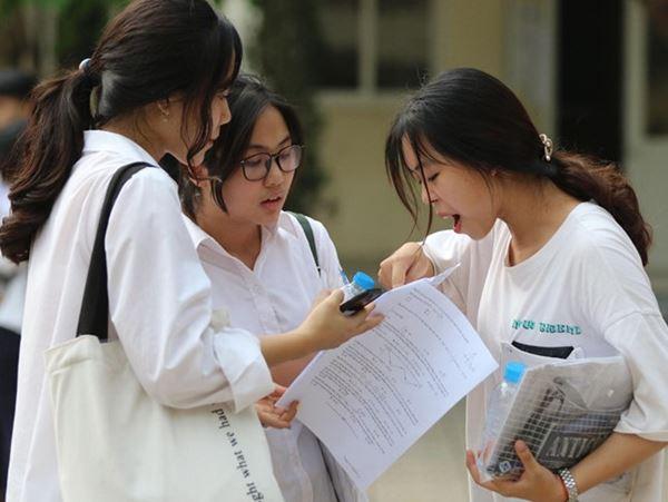 Điểm thi ở các tỉnh Sơn La, Hòa Bình năm nay như thế nào? - 1