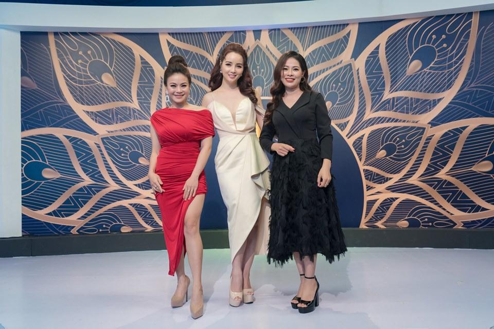 Nữ ca sỹ Nam tiến với 1 triệu đồng, phải qua Trung Quốc bán quần áo kiếm sống là ai? - 1