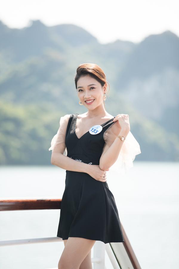 Dàn thí sinh Miss World VN diễn thời trang dưới cái nắng cực độ - 3