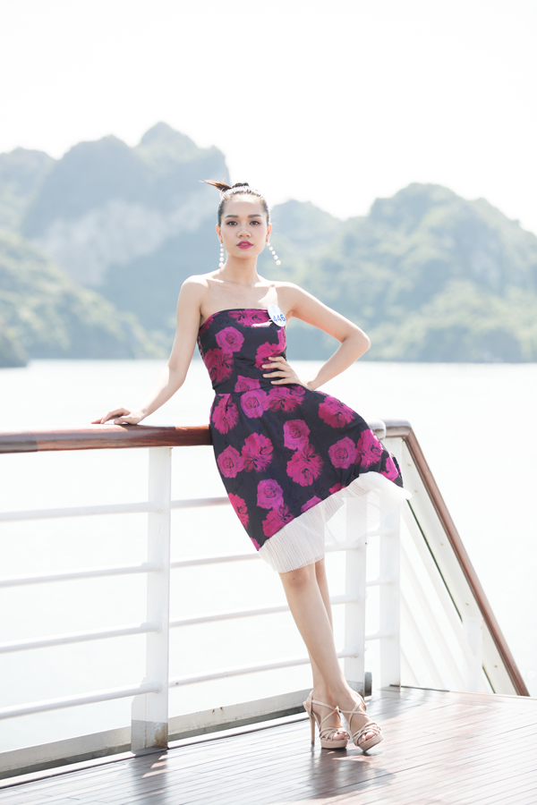 Dàn thí sinh Miss World VN diễn thời trang dưới cái nắng cực độ - 6