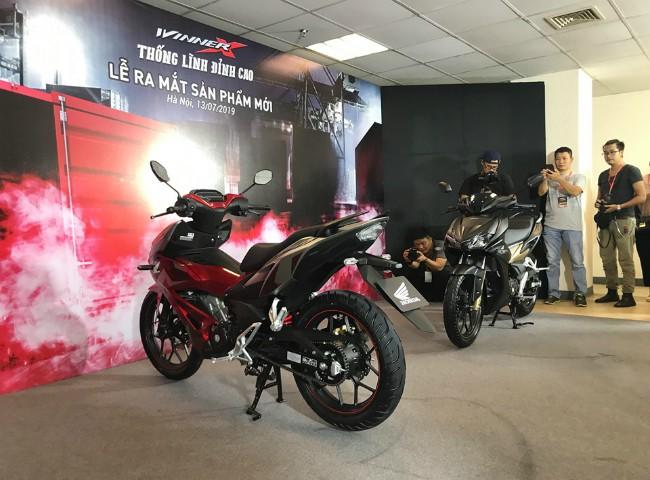 Xe côn tay mới Honda Winner X được chờ đợi bấy lâu cuối cùng đã chính thức được ra mắt vào tối 13/7/2019 tại Hà Nội.