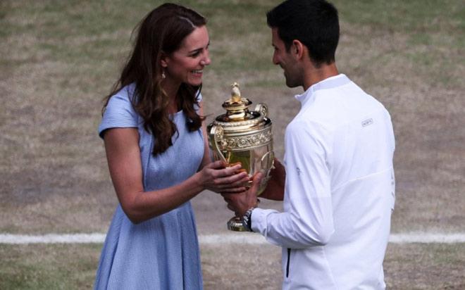 Djokovic vô địch Wimbledon: Thề vượt Federer thành vĩ đại nhất lịch sử - 1