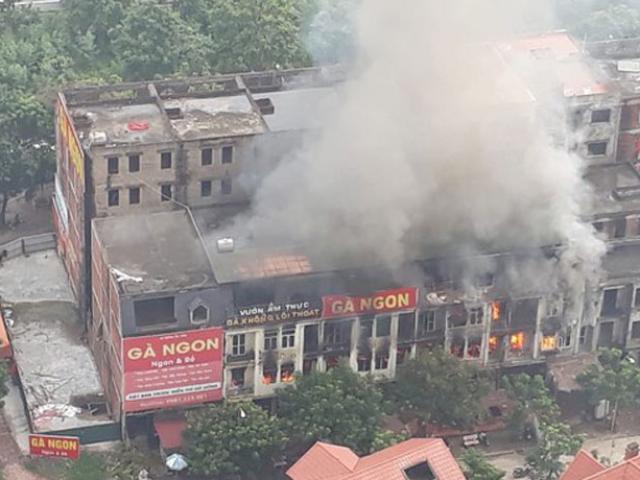 Cháy lớn ở nhà hàng trong khu biệt thự Thiên Đường Bảo Sơn