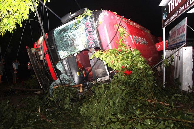 TNGT 14 người thương vong: Xe khách chạy sai hành trình - 1