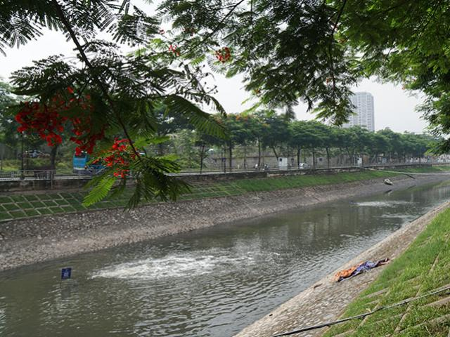 """Tròn 2 tháng sử dụng """"bảo bối"""" của Nhật, sông Tô Lịch thay đổi thế nào?"""