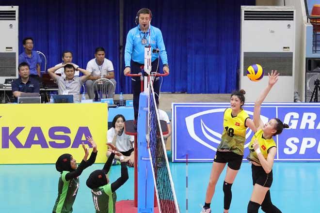 U23 Việt Nam thắng 75-5 bóng chuyền nữ: Giật mình 0,57m chênh lệch - 1