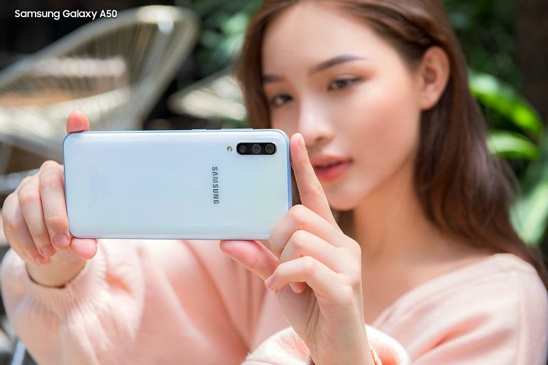 Galaxy A50 và Nokia 8.1: Bạn sẽ chọn smartphone nào khi có 7 triệu đồng? - 1