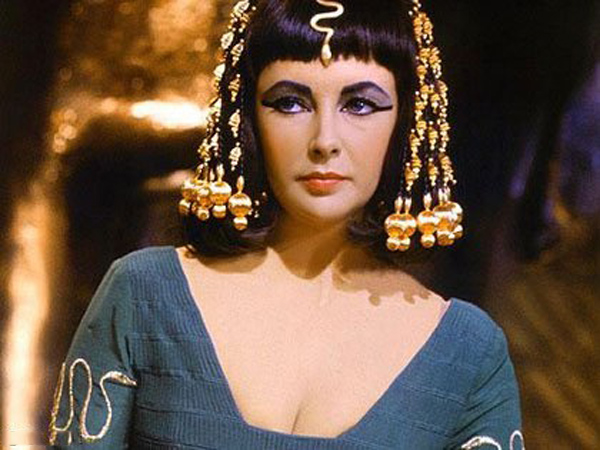 Khám phá bí quyết làm đẹp từ nhau thai cừu của nữ hoàng Cleopatra - 1