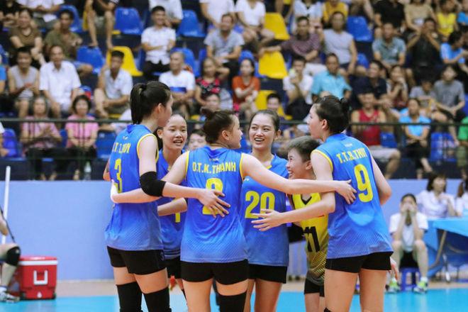 Thanh Thúy 1m93 tung hoành trước Trung Quốc: Rực lửa bóng chuyền nữ châu Á - 1