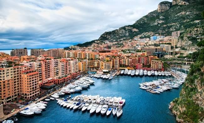 Ở Monaco có 32% dân số là triệu phú và tỷ lệ triệu phú tăng 12% trong giai đoạn 2013 đến 2018.