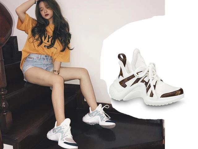 Bóc giá túi, giày thể thao đắt đỏ của hot girl 17 tuổi Linh Ka