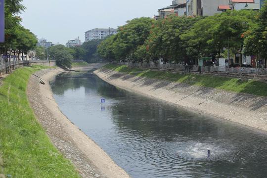 Xả nước vào sông Tô Lịch: Cuốn trôi thành quả 2 tháng - 1