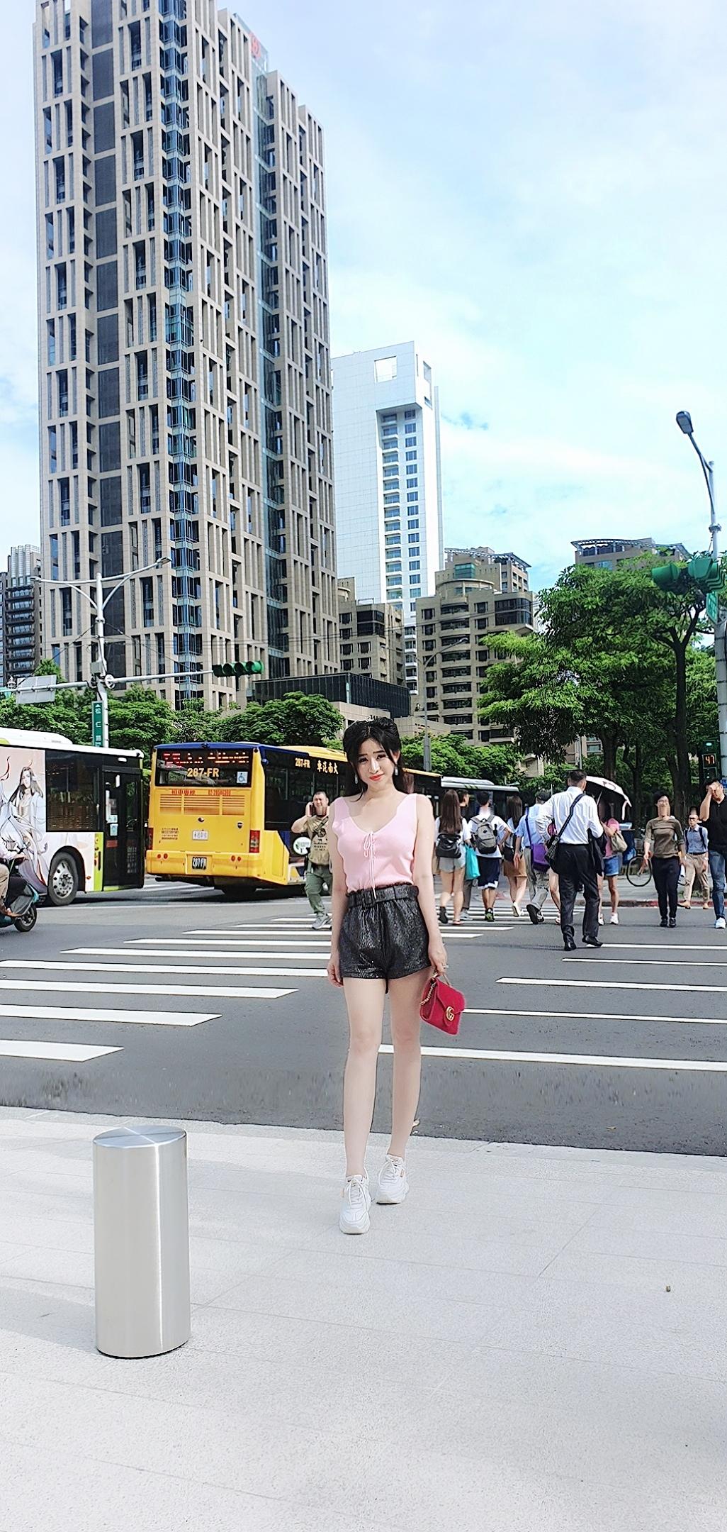 Hot girl Ivy du ngoạn Đài Loan sau cú sốc trầm cảm vì Hồ Quang Hiếu - 1