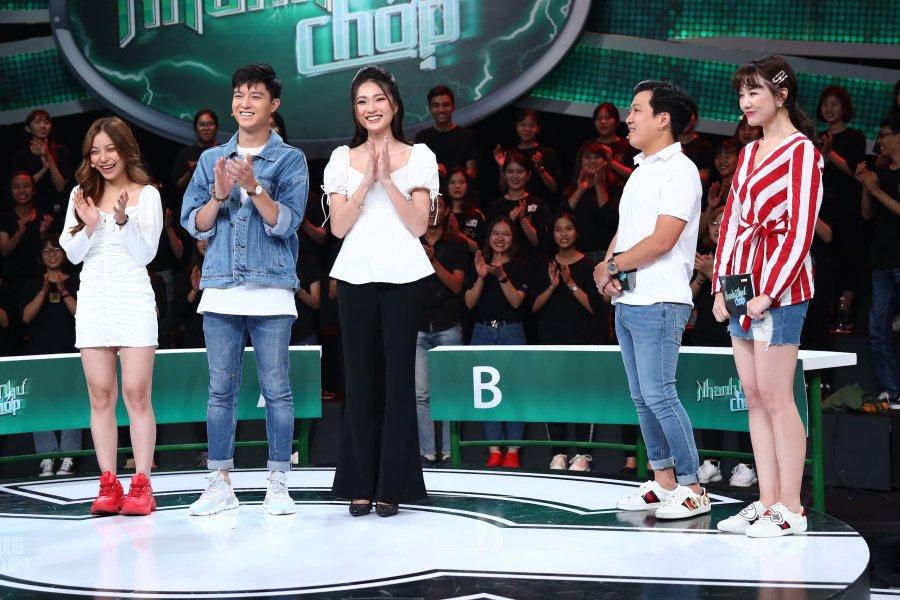 Trường Giang làm điều này khiến bạn gái Quang Hải bối rối trên truyền hình - 1