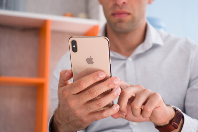 Apple sẽ bảo mật thông tin iPhone 12 đến phút chót - 1