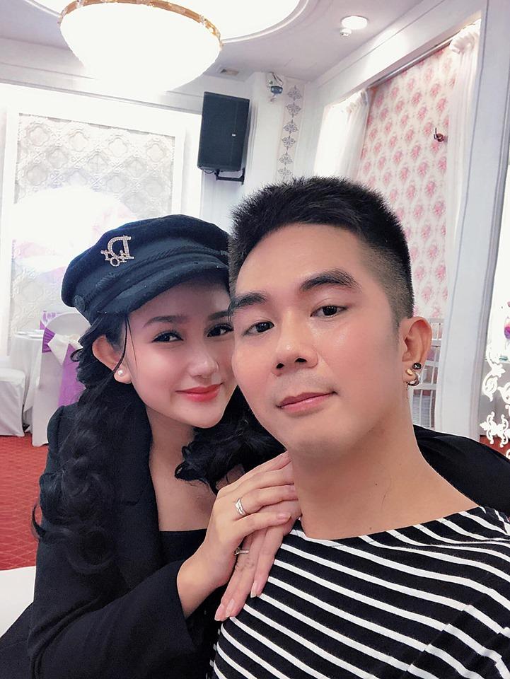 """Vợ hot girl kém 8 tuổi của Khánh Đơn: """"Bị động thai 2 lần, chồng đình chỉ hết công việc"""" - 1"""