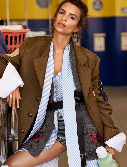 5 cách nữ tính hóa blazer dáng rộng như đàn ông của siêu mẫu Emily Ratajkowski - 1