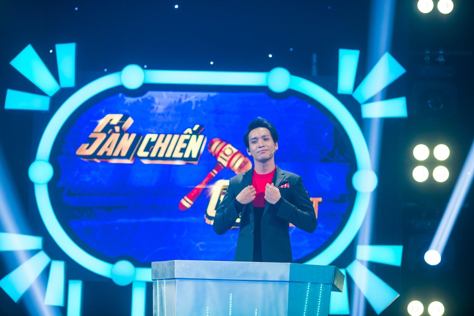 Nghệ sĩ cải lương Kim Tử Long gây sốc trổ tài làm DJ - 1