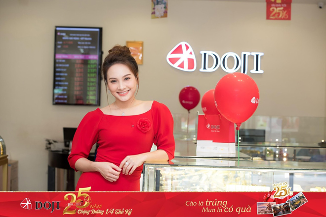 Bảo Thanh và hàng ngàn khách hàng trúng quà dịp sinh nhật DOJI - 1
