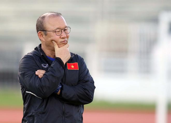 """Thầy Park nổi giận vì U23 Việt Nam bị """"vật thể lạ"""" theo dõi - 1"""
