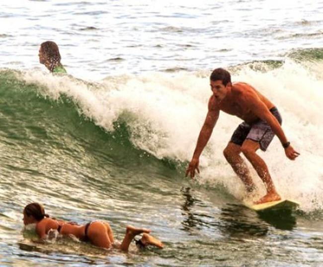 """""""Sóng"""" này còn khủng hơn cả sóng biển nữa nè."""