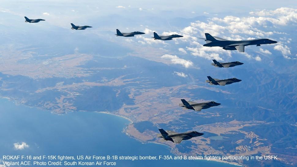 """""""Hỏa thần"""" 6 nòng chiến đấu cơ Hàn Quốc khai hỏa cảnh cáo oanh tạc cơ Nga - 1"""
