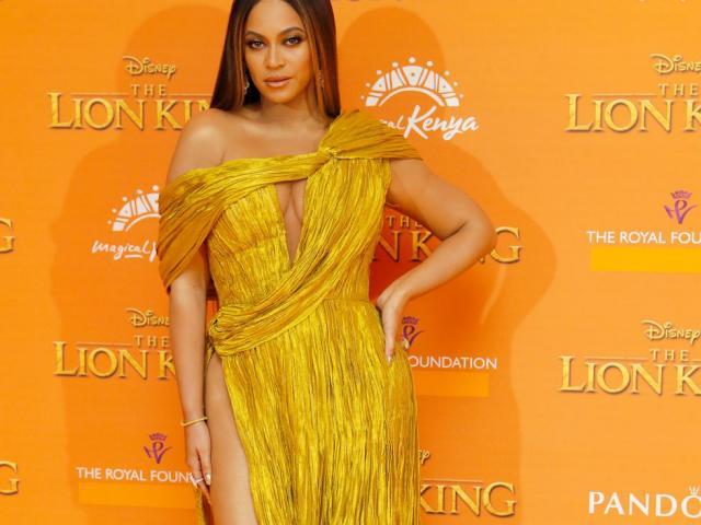 Elle bình chọn váy Beyonce mặc của Công Trí đẹp nhất tuần