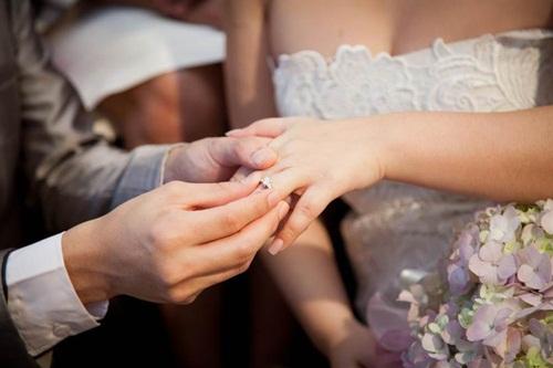 Em gái thông báo cưới chồng, tôi khóc ngất khi biết đó là bạn trai cũ - 1
