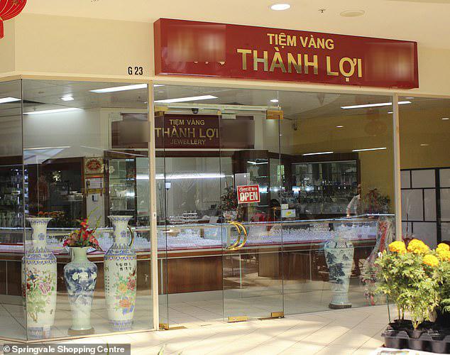 """Hàng trăm người Việt ở Úc có thể đã nhiễm HIV tại thẩm mỹ viện """"chui"""" - 1"""