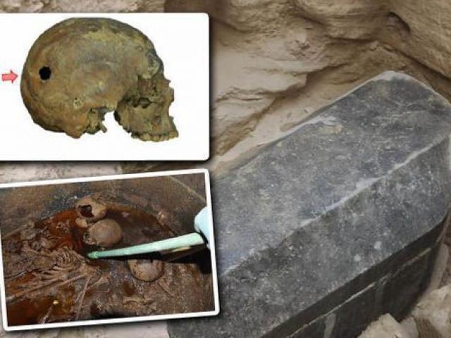 Điều kinh hoàng gì xảy ra với xác ướp bên trong quan tài đen ở Ai Cập?