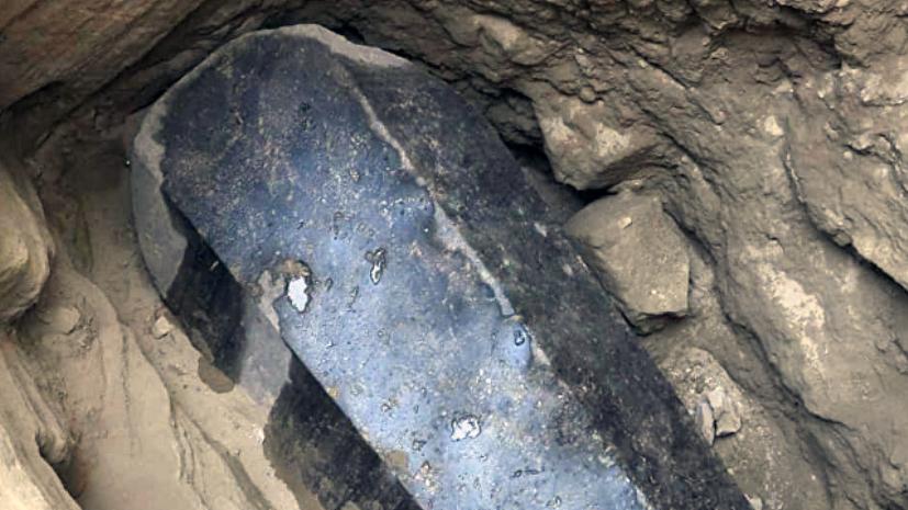 Điều kinh hoàng gì xảy ra với xác ướp bên trong quan tài đen ở Ai Cập? - 1