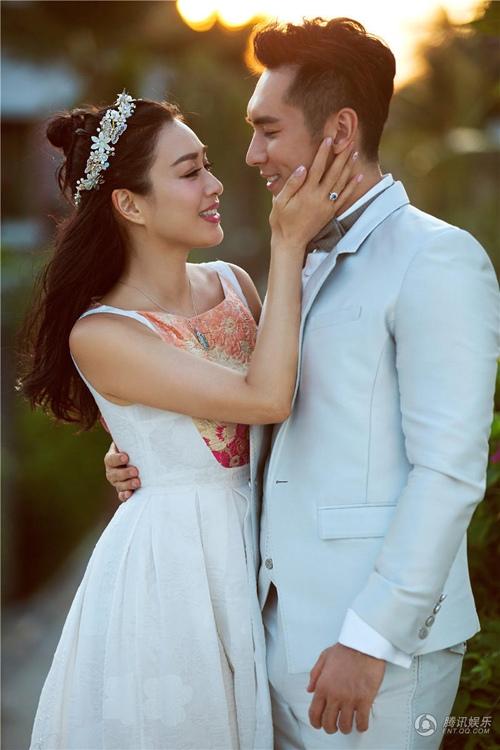 Người đẹp gốc Việt nổi tiếng xứ Cảng thơm lấy chồng thứ 3 trẻ hơn 1 giáp - 1