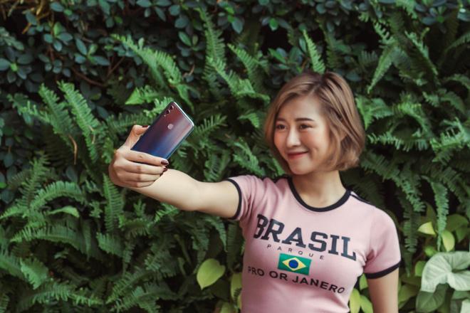 Selfie trên điện thoại thế nào để crush đổ đứ đừ - 1